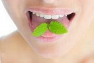 Что делать если пахнет изо рта